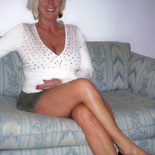Blonde Sekretärin sucht Seitensprung in Winsen (Luhe)